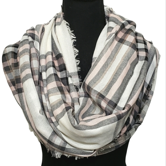 American Eagle Outfitters   Women's Plaid Scarf